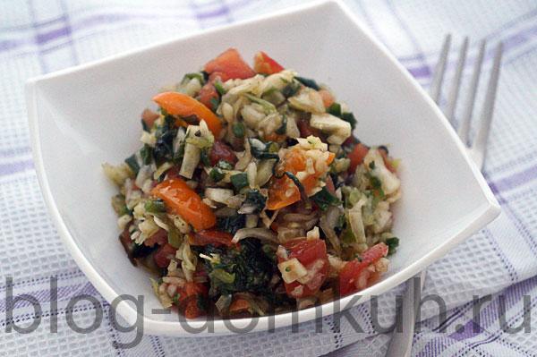Салат из свежей капусты и помидоров