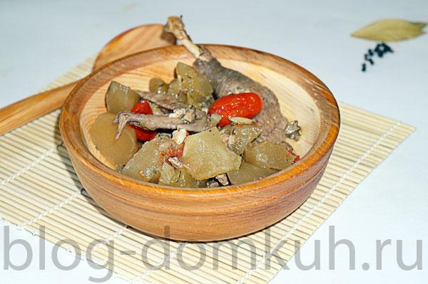 Цесарка, тушенная с овощами