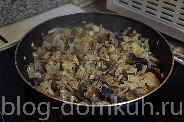 грибы-лук-жарятся
