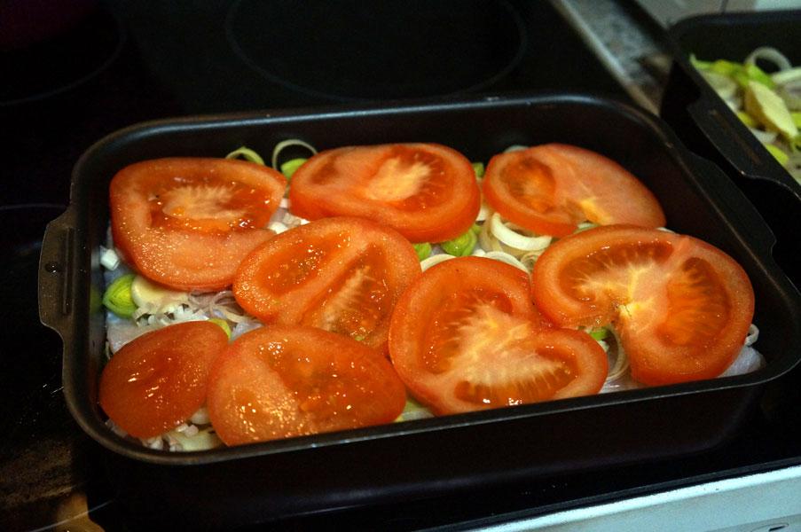 пикша-помидоры-противень