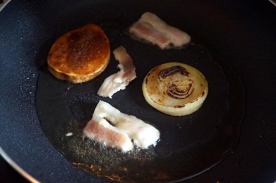 картошка-лук-бекон