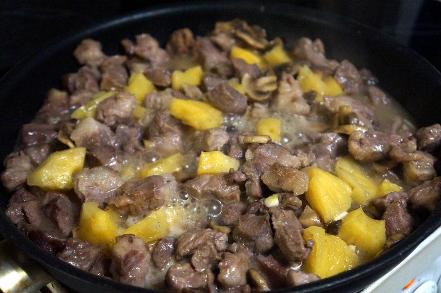 мясо-ананас