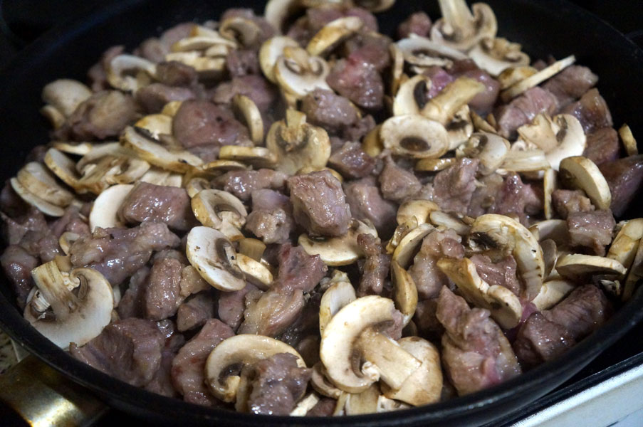 мясо-шампиньоны