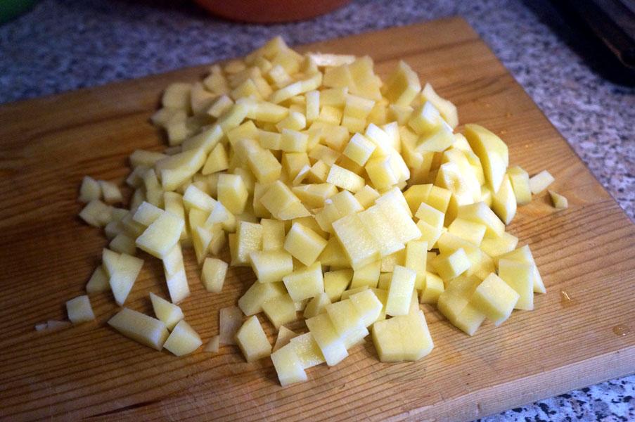 картофель-кубиком